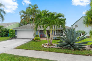 1823 Stonehaven Drive, Boynton Beach, FL 33436