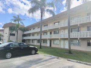 400 Village Green Circle W, 317, Palm Springs, FL 33461