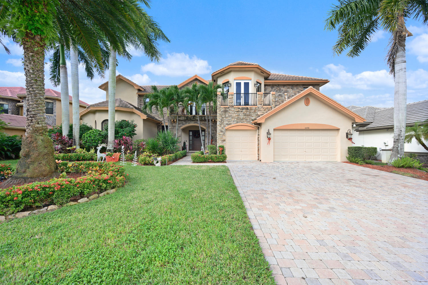 10596 Versailles Boulevard, Wellington, Florida 33449, 5 Bedrooms Bedrooms, ,6.1 BathroomsBathrooms,Single Family,For Sale,Versailles,RX-10586721