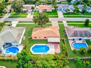 11129 Median Street Boca Raton FL 33428