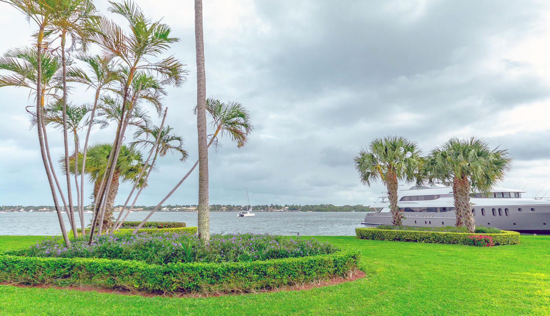 Photo of 122 Lakeshore Drive #G40, North Palm Beach, FL 33408