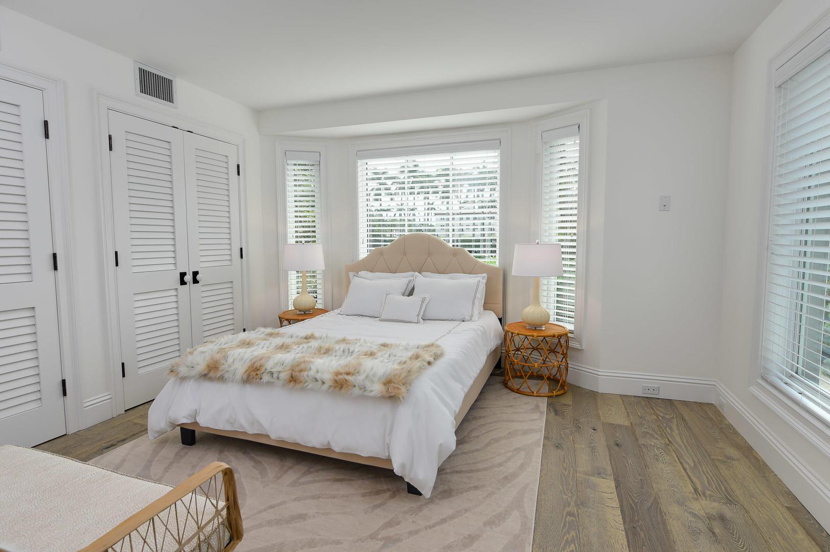 443 Seaview Avenue Palm Beach, FL 33480