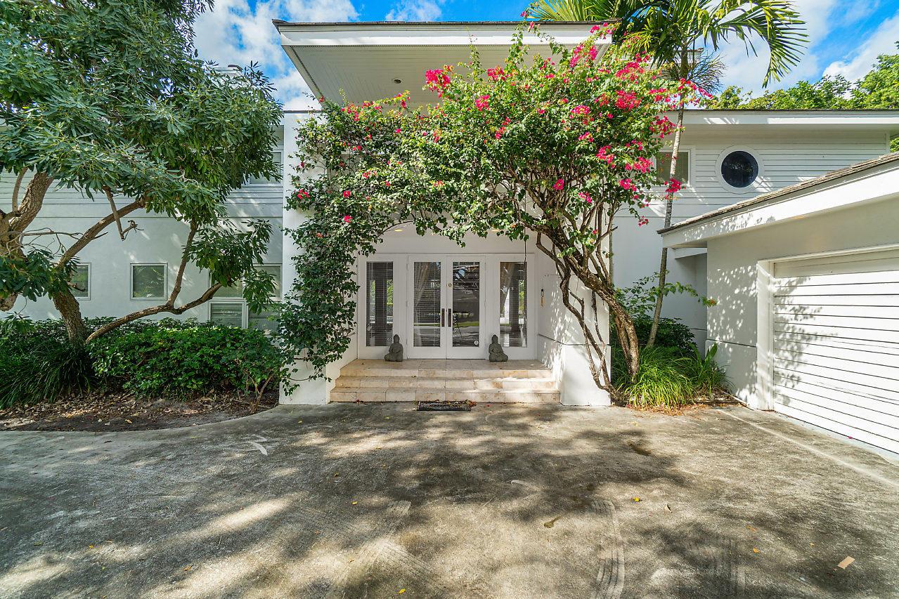Photo of 3401 Embassy Drive, West Palm Beach, FL 33401