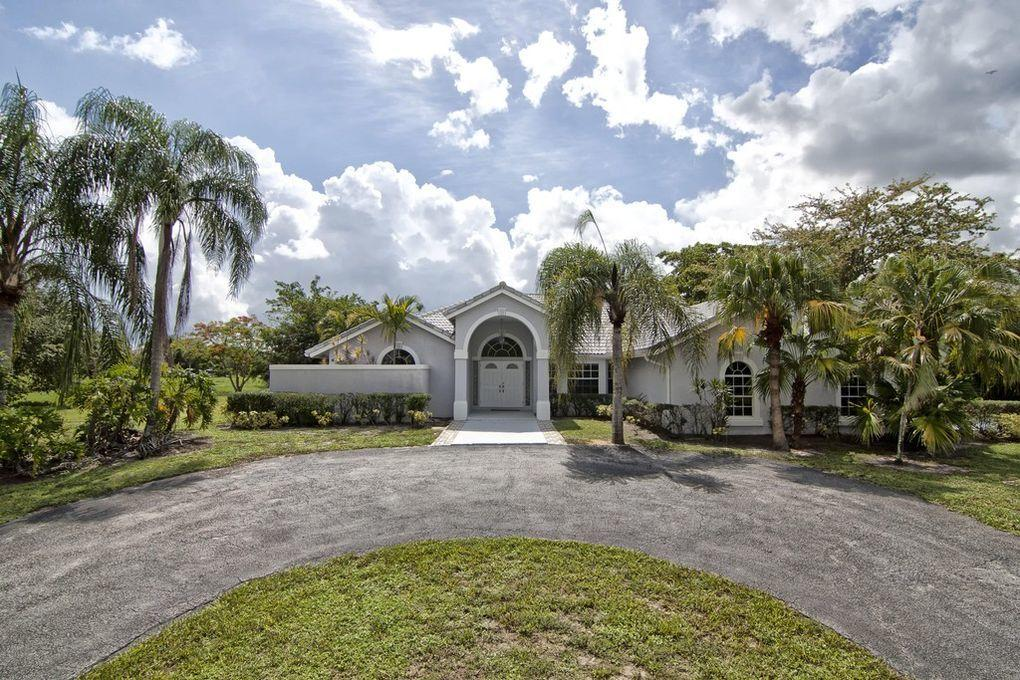 2696 Appaloosa Trail, Wellington, Florida 33414, 4 Bedrooms Bedrooms, ,3 BathroomsBathrooms,Single Family,For Rent,Saddle Trail Park,Appaloosa,2696,RX-10589537