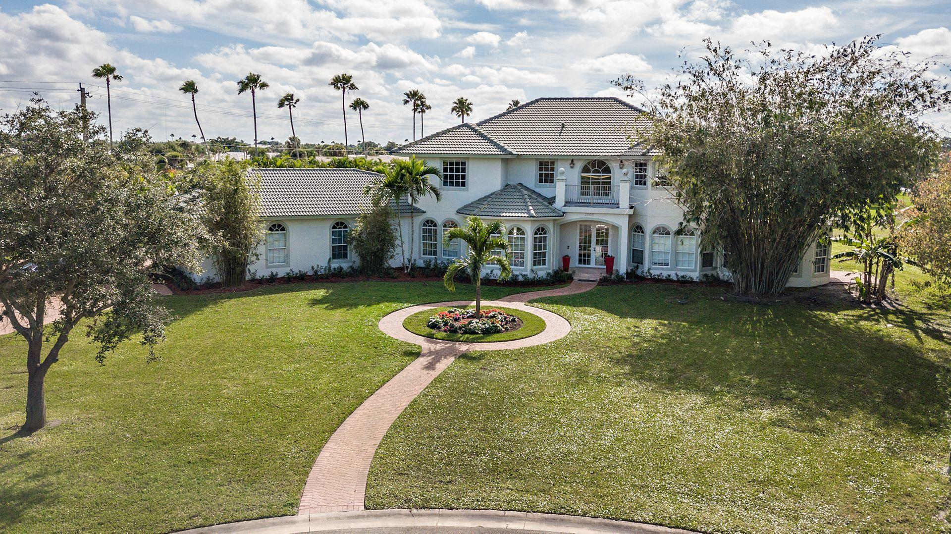 Wellington, Florida 33414, 6 Bedrooms Bedrooms, ,4 BathroomsBathrooms,Residential,For Sale,Greenbriar,RX-10589840