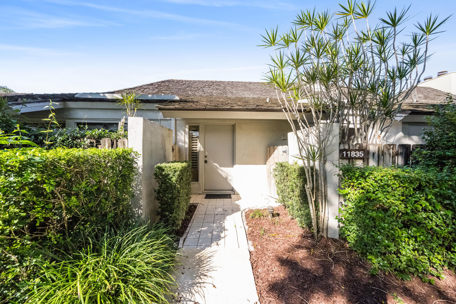 11835 Rene La Coste Place, Wellington, Florida 33414, 2 Bedrooms Bedrooms, ,2 BathroomsBathrooms,Villa,For Sale,Palm Beach Polo,Rene La Coste,RX-10590041