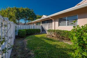 8306 Springtree Road Boca Raton FL 33496
