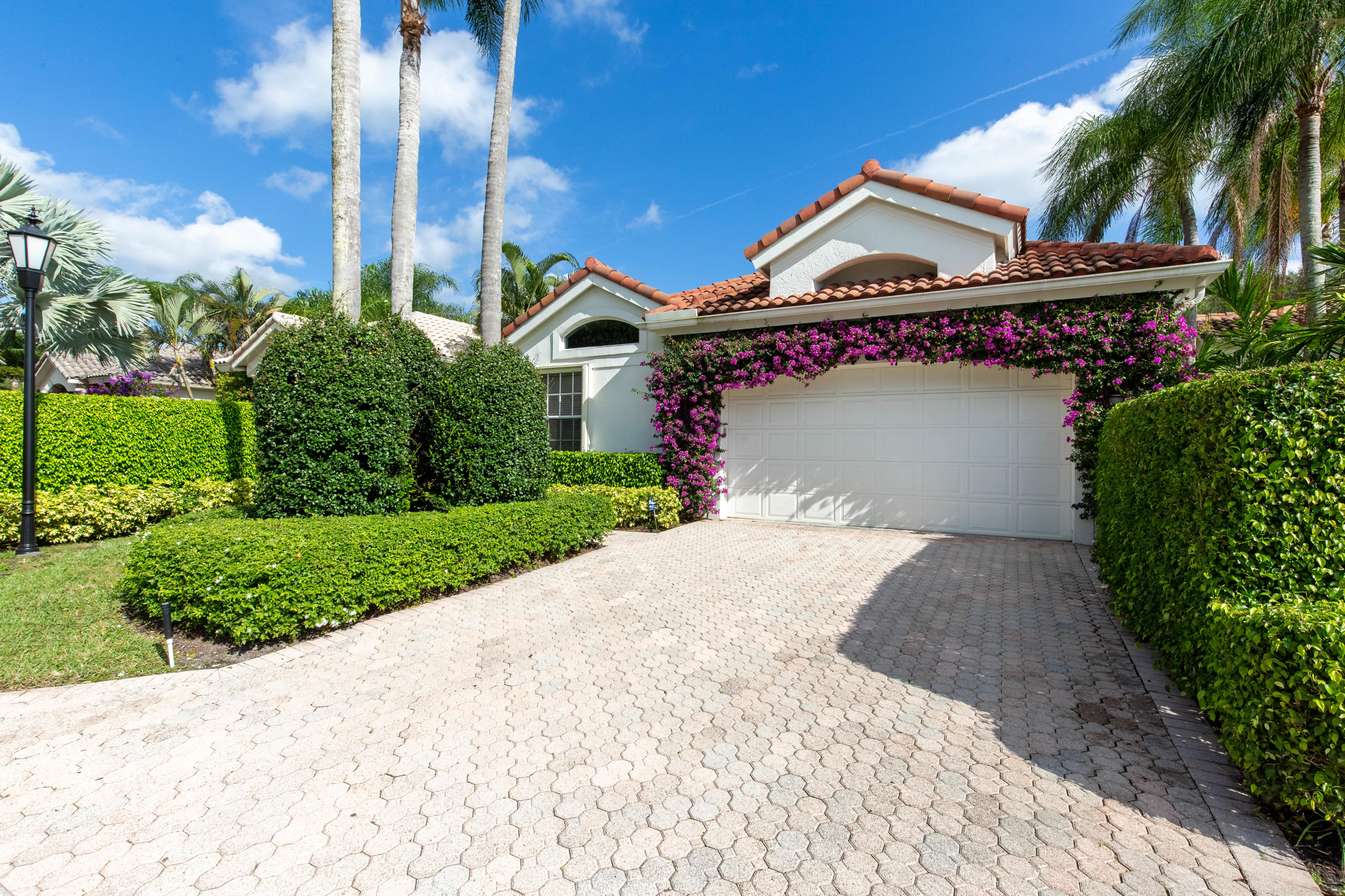 Beautifully  maintained  single  family home in the Palm Beach Polo Golf & Country Club. Close to every thing Equestrian while only a short jaunt to the island (Palm Beach) This home is a great opportunity  to renovate and make it your own or an investment property.