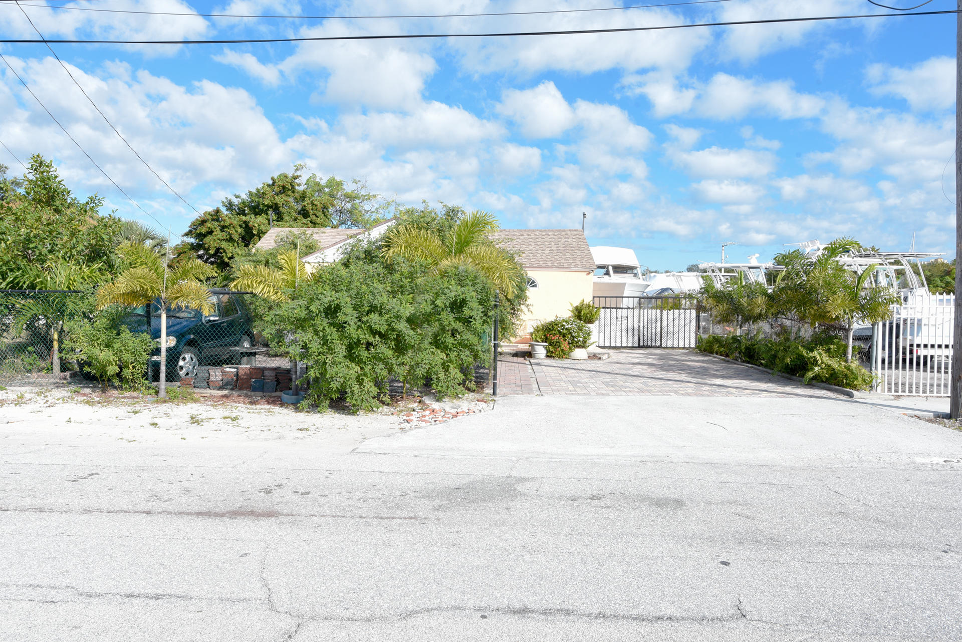 Image 4 For 36 15th Street W