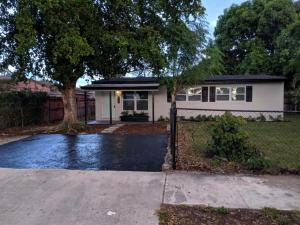 813 SW 11th Avenue, Delray Beach, FL 33444