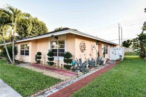 5402 Bonky Court, 102 B, West Palm Beach, FL 33415