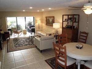 34 Stratford Lane, # C, Boynton Beach, FL 33436