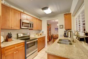 5096 Pointe Emerald Lane Boca Raton FL 33486