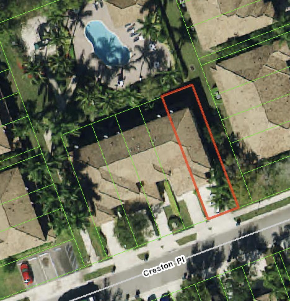 Beautiful Corner Unit with 3 bedrooms , 2.5 Bathrooms.This is one of the most stable and desirable neighborhood in town.