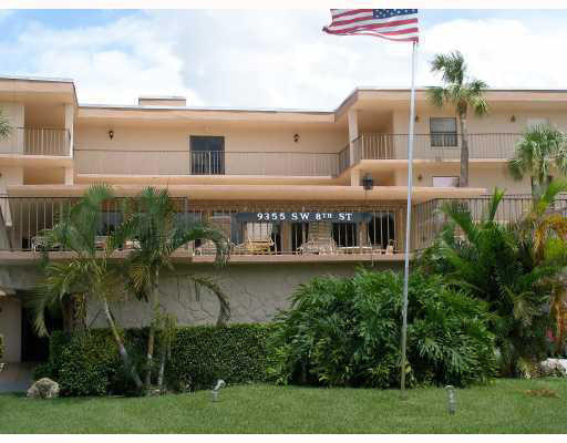 All ages  and credit of 695+. 2 bedroom, 2 bath condo sits on the golf course. Kitchen open to the dining and living room. tiled floors. No lease for 1 year. Must wait 1 year before renting.