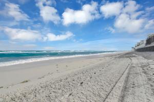 3540 S Ocean Boulevard, 910, South Palm Beach, FL 33480