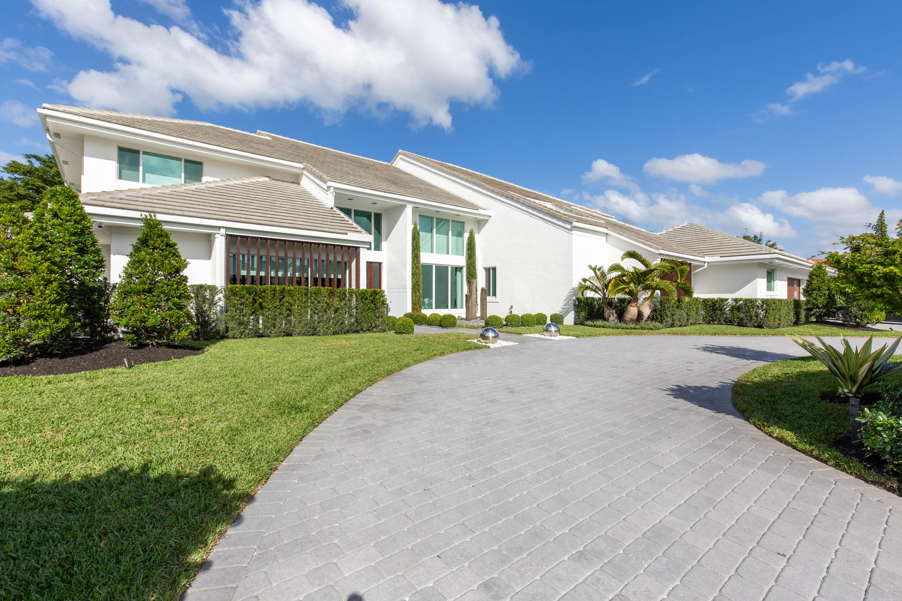 Wellington, Florida 33414, 5 Bedrooms Bedrooms, ,5 BathroomsBathrooms,Residential,For Sale,Maidstone,RX-10592216