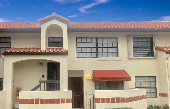 307 Freedom Court 307  Deerfield Beach FL 33442