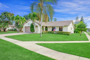 10552 Greenbriar Court, Boca Raton, FL 33498