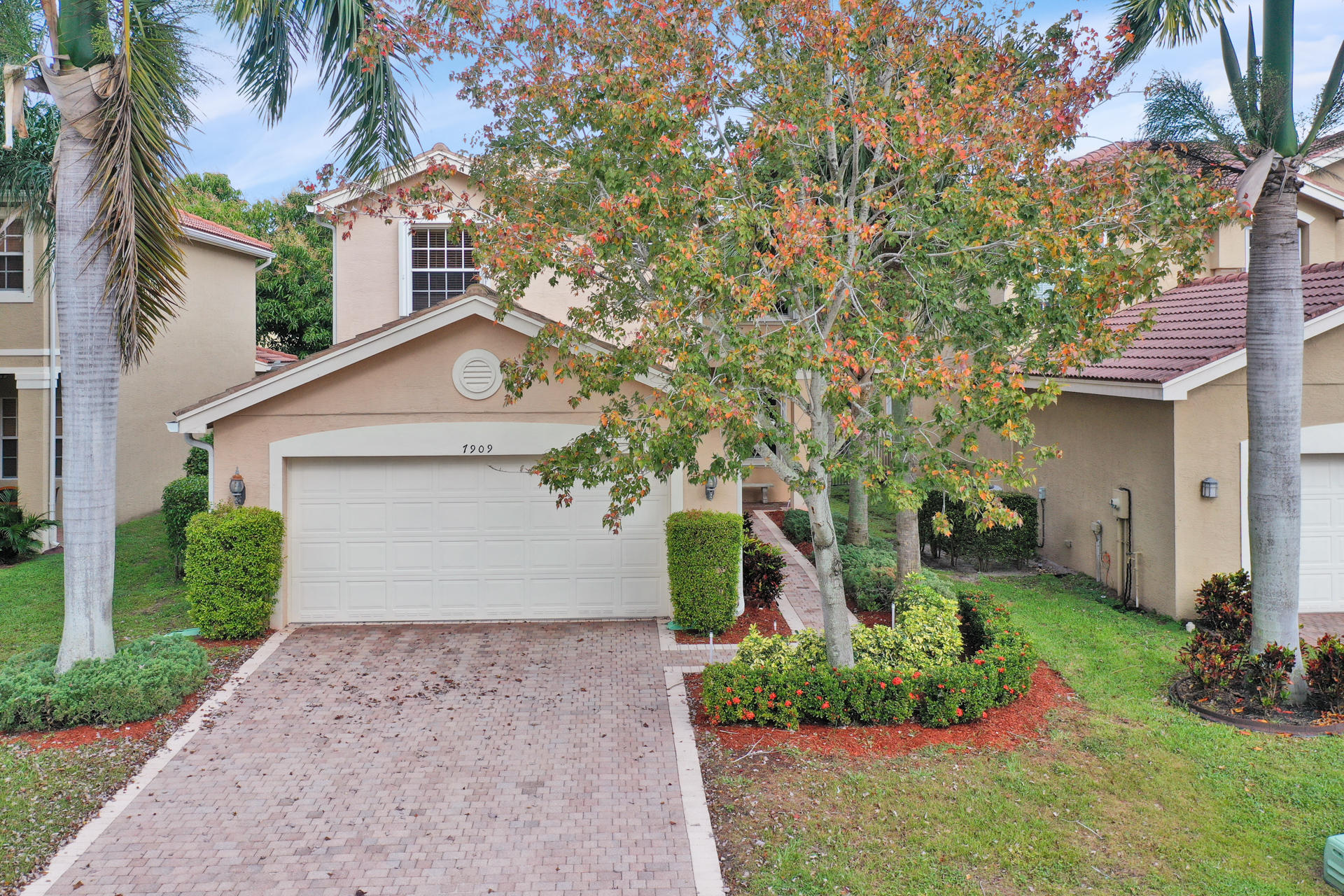 You don't want to miss out on this gorgeous, lakefront home in Boynton Beach! This modern 4 bedroom, 3 bathroom house is filled with new upgrades & is move-in ready. The layout of the home is perfect for entertaining with one bathroom and bedroom on the first floor, and 3 bedrooms and 2 more bathrooms upstairs. It's light-filled and cozy common area is guaranteed to make you feel right at home. Located in a beautiful & safe gated community, the amenities include a clubhouse, gym, pool, tennis court, soccer field, sand volleyball, basketball court and tot lot park.