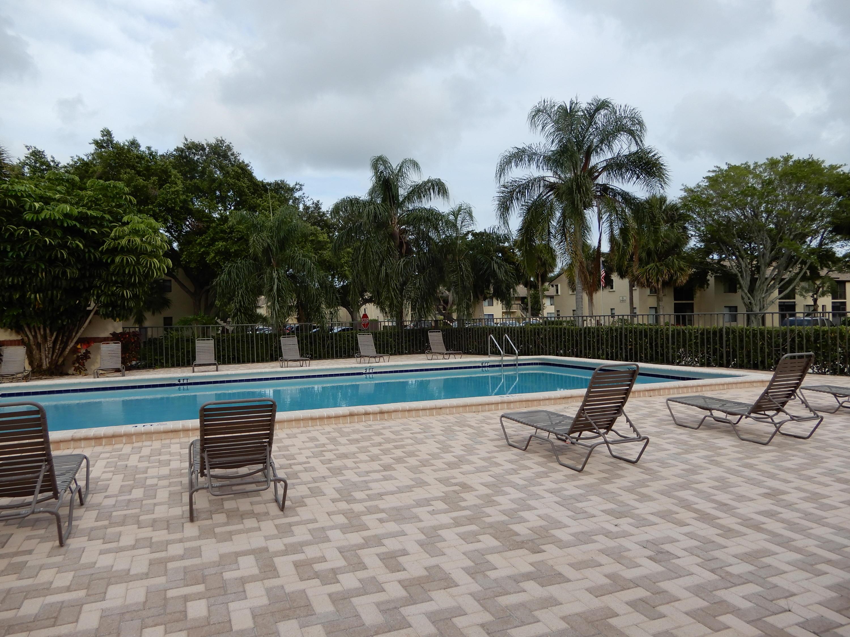 21950 Soundview Terrace #105 Boca Raton, FL 33433