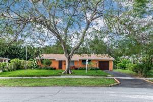 365 Lanier Drive, Palm Springs, FL 33461