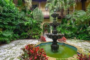 151 Grace Trail, 0040, Palm Beach, FL 33480