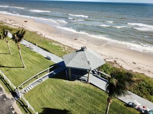 5505 N Ocean Boulevard, 8-203, Ocean Ridge, FL 33435