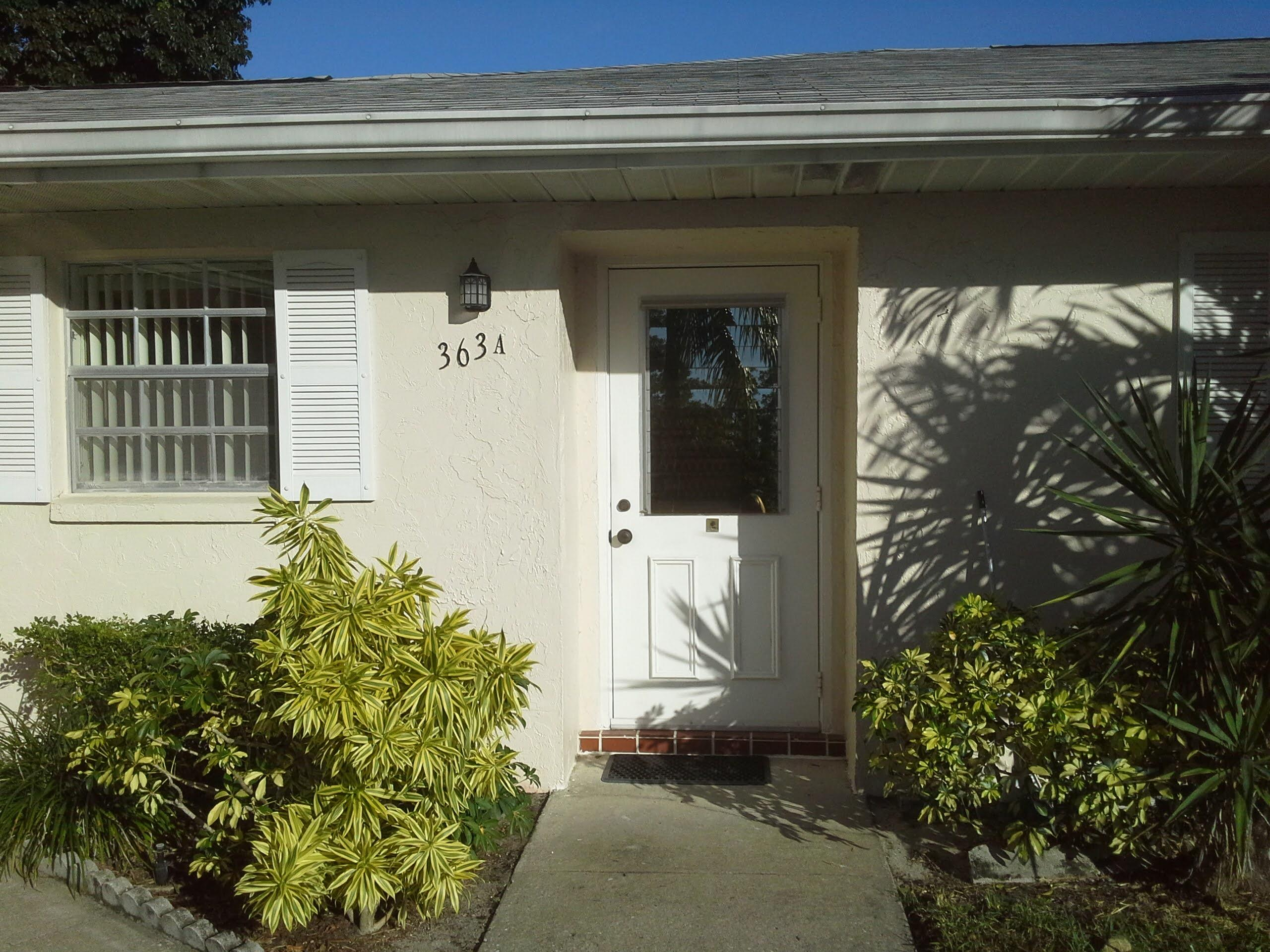 2 bedroom 2 bath corner unit located in well kept active 55+ community of Covered Bridge.  Lots of activities, onsite property manager and close to shopping. Condo has been meticulously cared for and has tile througout and all GE appliances are newer.  Large enclosed Florida Room with air conditioning and storage closet.