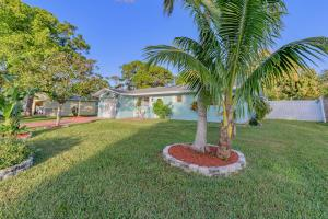 COMPLETELY REMODELED CBS 3/2/1 POOL HOME. MUST SEE. MOVE IN READY!