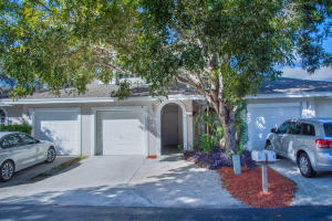 3 Glamis Way SE, Boynton Beach, FL 33426