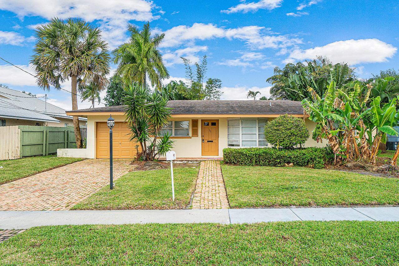 941 SW 8TH Street Boca Raton, FL 33486