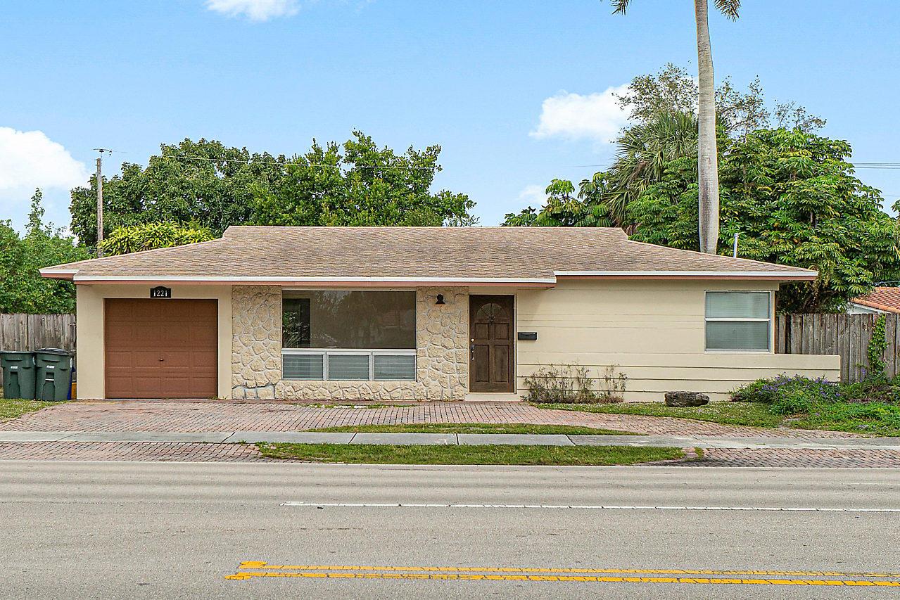 1221 W Camino Real Boca Raton, FL 33486