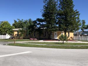 1122 S 14th Place, Lantana, FL 33462