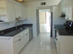 3425 Via Poinciana, 302, Lake Worth, FL 33467