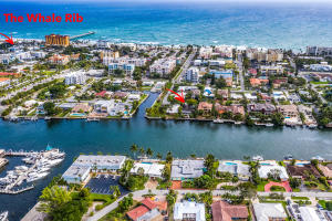 Direct Intracoastal and only a couple blocks from the beach and restaurants.