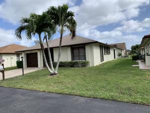 6220 Olivewood Circle, Greenacres, FL 33463