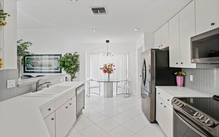 Image 5 For 6462 Colomera Drive