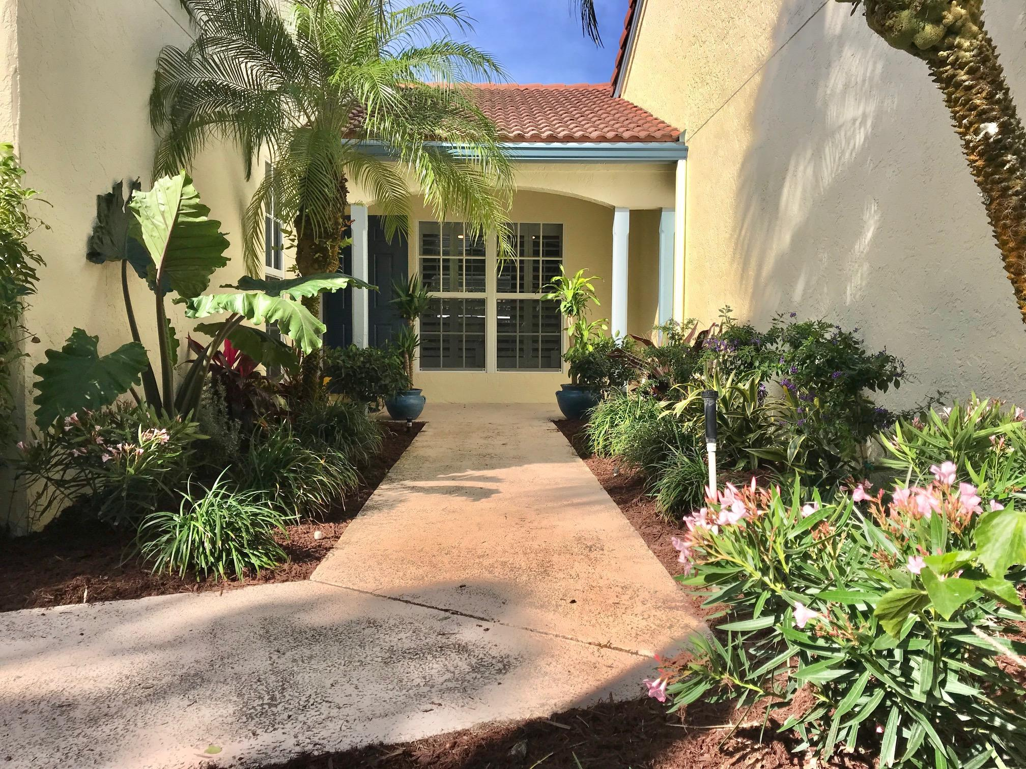 2272 Las Casitas Drive Wellington, FL 33414