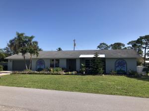 9545 SE Cove Point Street, Tequesta, FL 33469