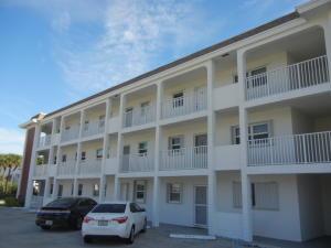 236 Castlewood Drive, 201, North Palm Beach, FL 33408
