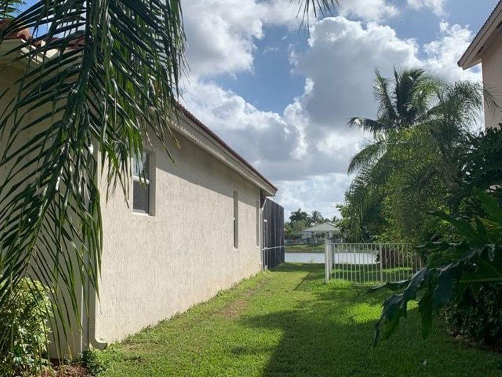 11424 Paradise Cove Lane