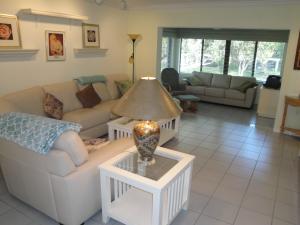 33 Stratford Lane, # B, Boynton Beach, FL 33436