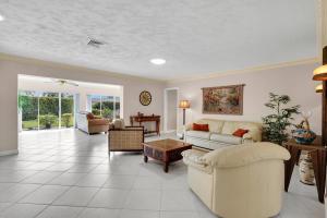 392 Villa Drive Atlantis FL 33462