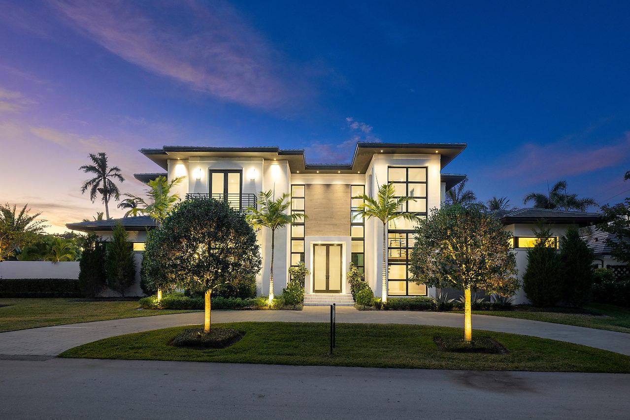 Photo of 800 Seagate Drive, Delray Beach, FL 33483