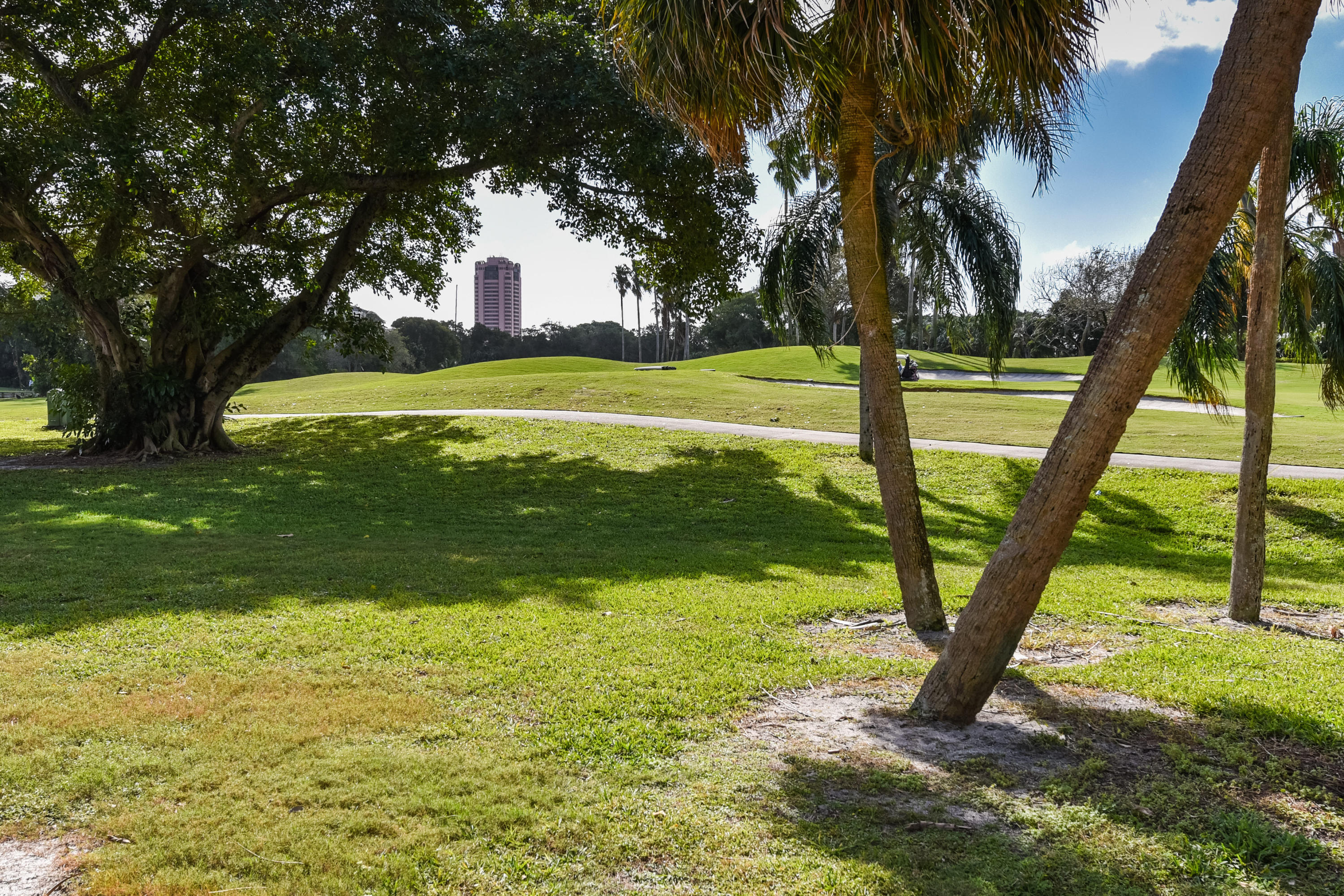 300 Royal Palm Road, Boca Raton, Florida 33432, 2 Bedrooms Bedrooms, ,2 BathroomsBathrooms,Residential,for Sale,Fairways Condo,Royal Palm,RX-10595153, , , ,for Sale