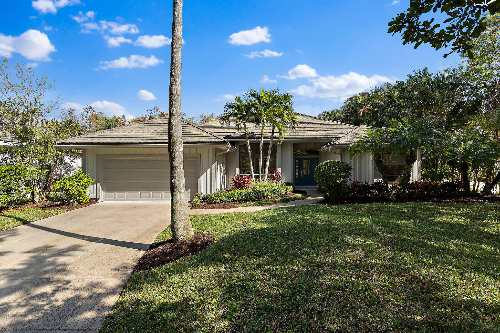 36 Cayman Place Palm Beach Gardens, FL 33418