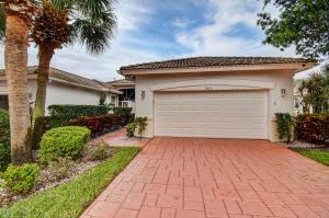9575 Crescent View Drive N, Boynton Beach, FL 33437