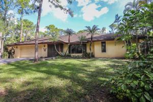 8035 150th Court N, Palm Beach Gardens, FL 33418