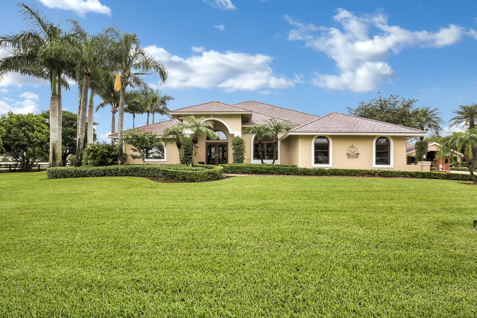 Wellington, Florida 33414, 4 Bedrooms Bedrooms, ,3 BathroomsBathrooms,Residential,For Sale,Appaloosa,RX-10595958
